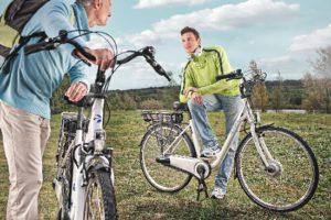 Vélos électriques Matra à la campagne